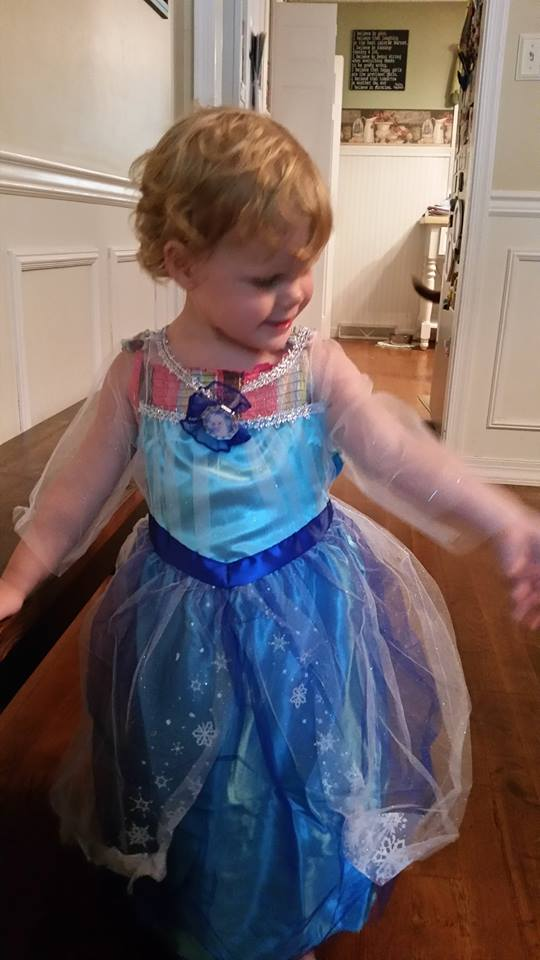 Holy cow! Elsa is here!
