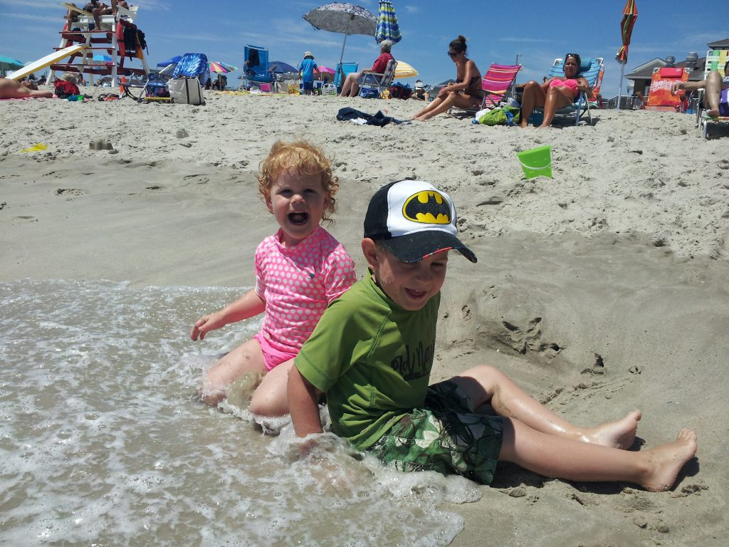 Kids playing at beach @meredithspidel