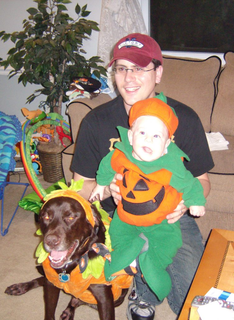 Coordinated Pumpkin Halloween costumes kid and dog @meredithspidel