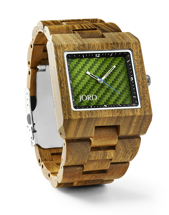 Have a jewelry lover in your life but aren't sure what to get her? This is such a unique, special idea and she will LOVE it! Check it out and get ready for some major thanks! This wooden watch is GORGEOUS!