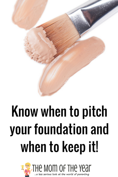 TIme to Spring clean your beauty products! Brushes, eyeshadow, lipstick, mascara, foundation, powders--it all needs a refresh from time to time! Use these smart tips to tackle your makeup bag and product stash the RIGHT way--clean it up and make sure it's all in order ASAP!