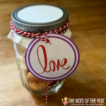Easy DIY Valentine's Day Mason Jar Gift