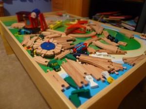 Child's Train Table Design @mererdithspidel @RobynHTV