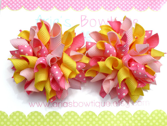 These sweet mini korker bows are the perfect gift for the little girl in your life! Make her feel like princess with a pretty touch of dress-up!