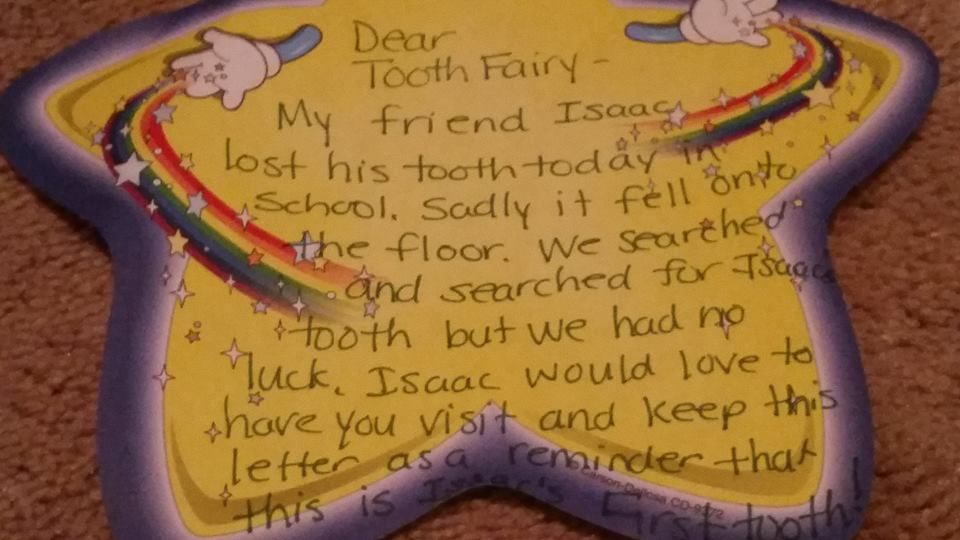 First tooth lost? Call in the Tooth Fairy, however she comes! We are ready to meet her! And here are some wise tips for bracing yourself in a realistic way for that first lost tooth!