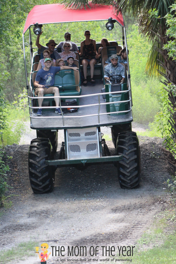 Not sure how to plan your first-time visit to Gatorland? The whole schoop you need, plus 10 super-smart tips here to help you make the most of your visit and enjoy the day! Tip #7 is genius--made our day go far more smoothly!