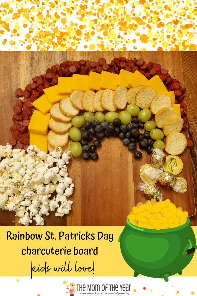These kid-friendly St. Patrick's Day charcuterie boards are such a fun way to celebrate the holiday with a little magical fun! I would never have though of this idea for the end of the rainbow leprechaun's pot of gold! How creative and cute!